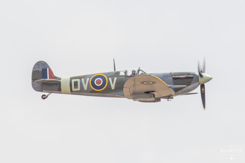 EE602 | Build: 1942 - Supermarine Spitfire Mk.LF.Vc