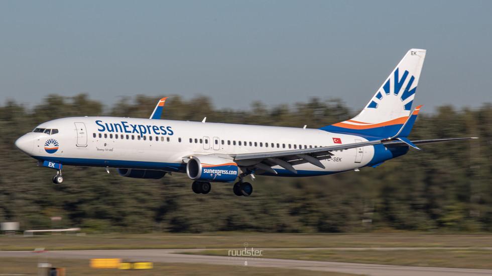 TC-SEK | Build: 2015 - Boeing 737-8HC