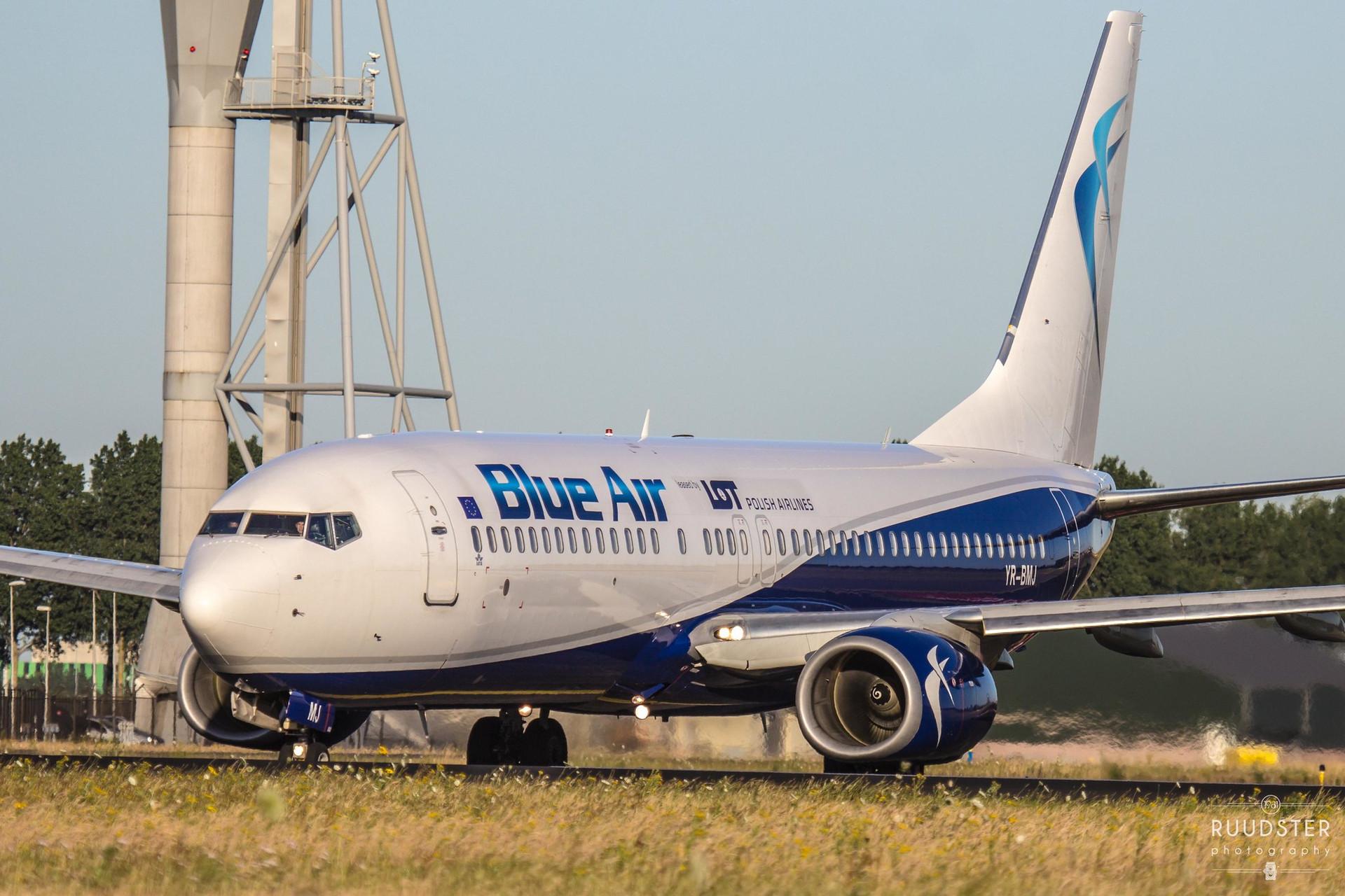 YR-BMJ   Build: 2010 - Boeing 737-82R