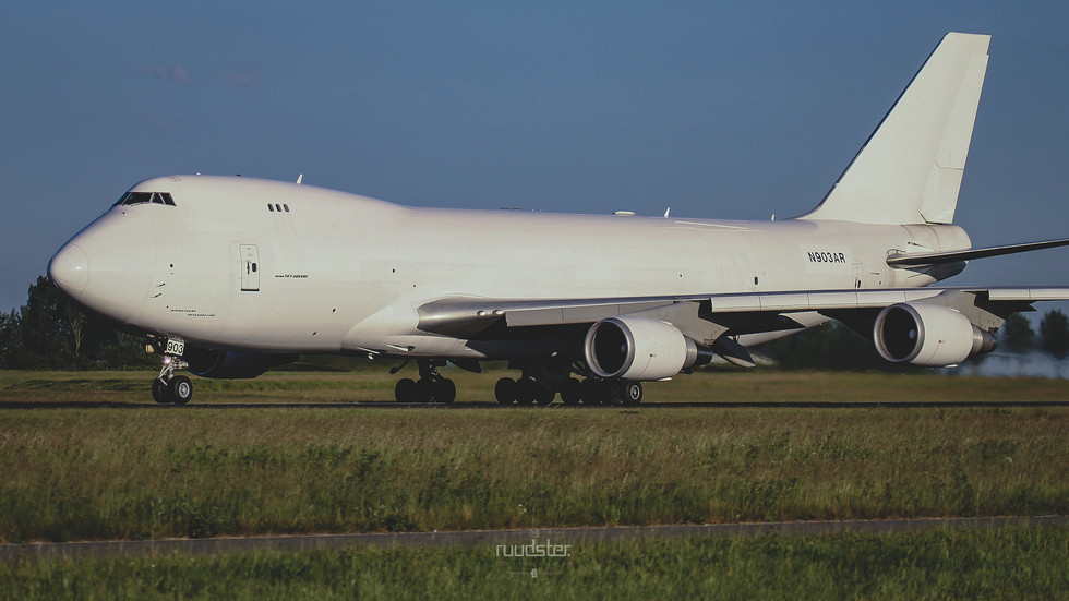 N903AR   Build: 2014 - Boeing 747-400