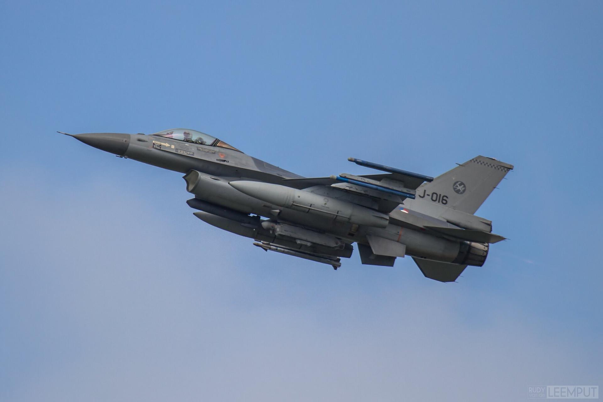 J-016   Build: 1991 - Lockheed F-16 A Fighting Falcon