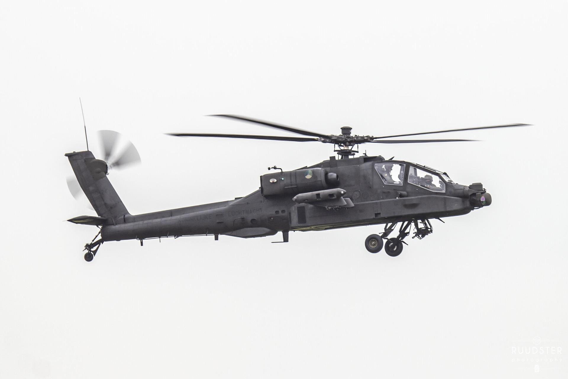 Q-24   Build: 2002 - Boeing AH-64DN Apache
