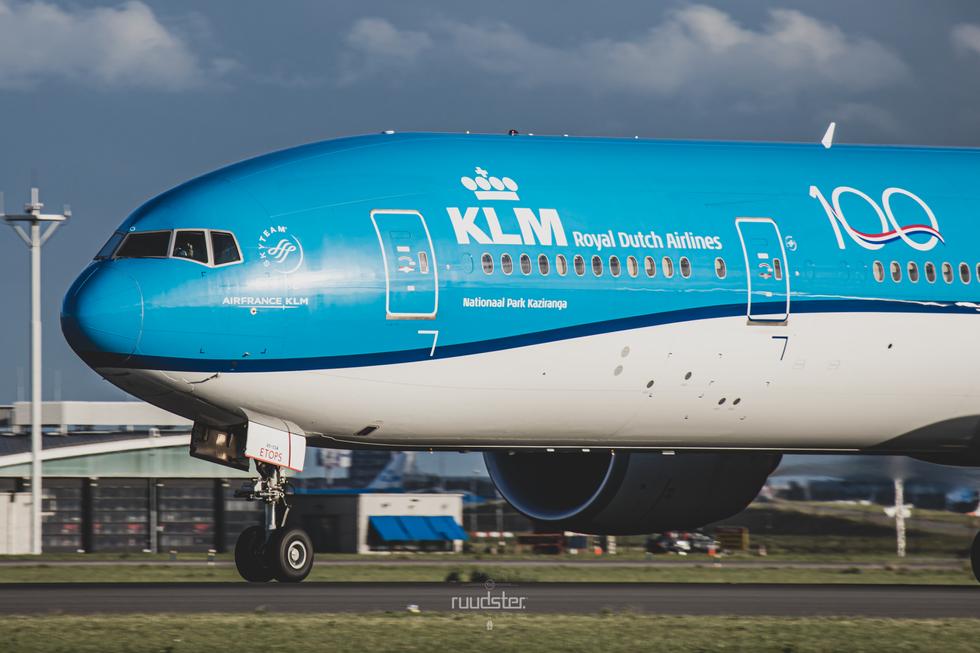 PH-BVO   Build: 2015 - Boeing 777-306ER