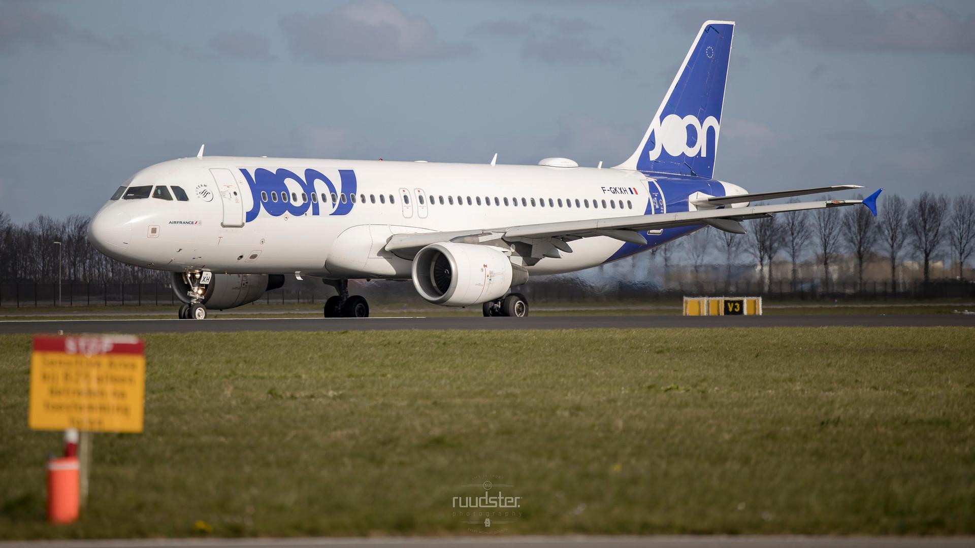 F-GKXH | Build: 2002 - Airbus A320-214
