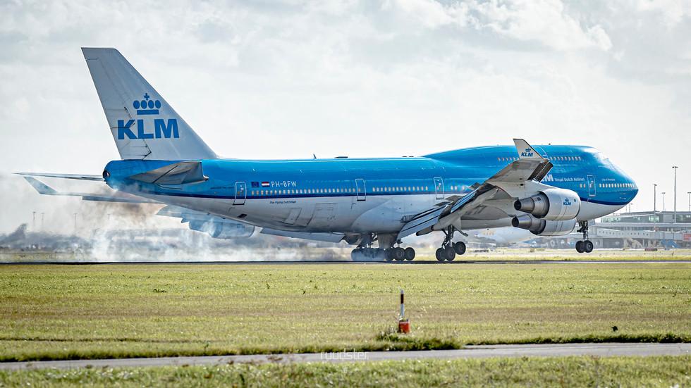 PH-BFW   Build: 2000 - Boeing 747-400M