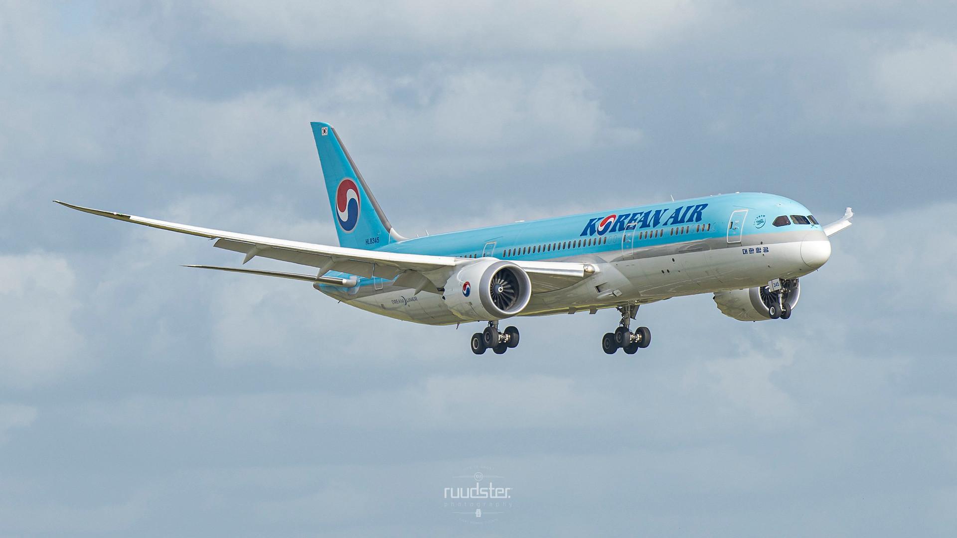 HL8345   Build: 2019 - Boeing 787-9