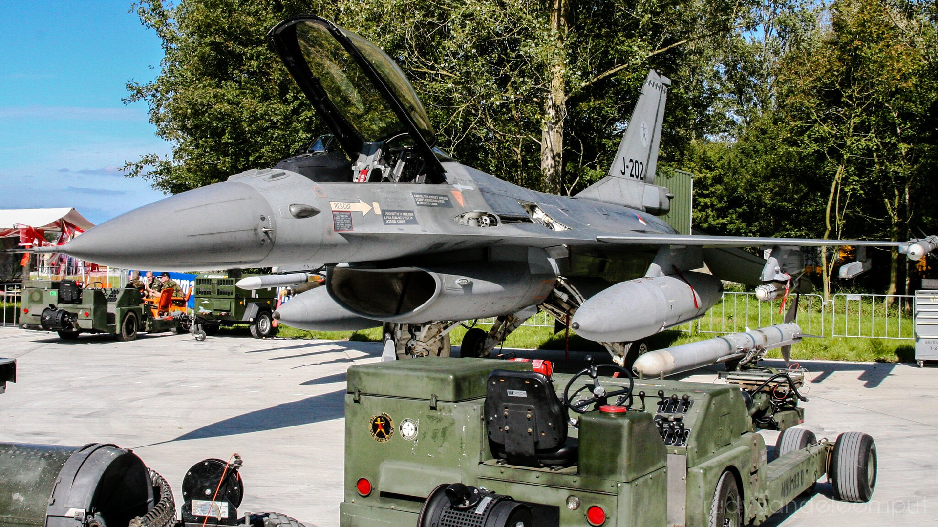 J-202   Build: ....- Lockheed Martin F-16 A Fighting Falcon