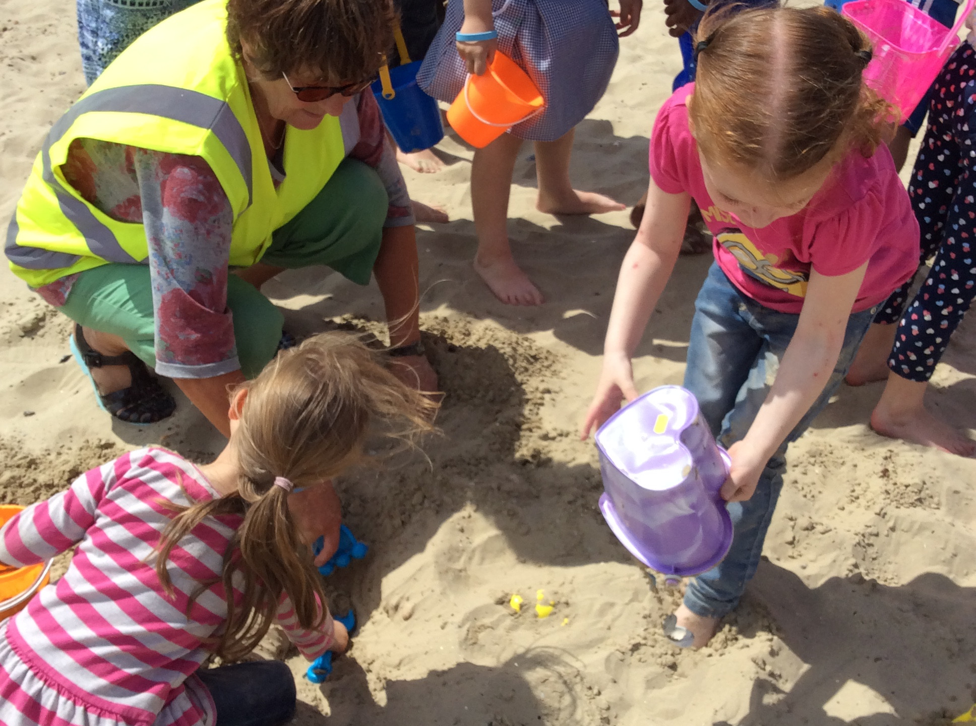 Conifers Sch Dorset Yr1 Beach Trip