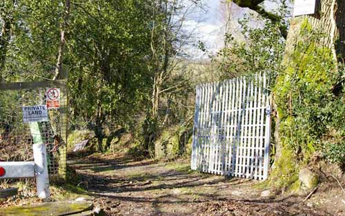 hendre_gate_open