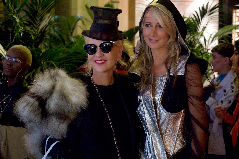 Amanda & Lady Victoria Hervey