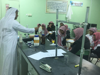 ورشة تطبيقية علمية في الكيمياء