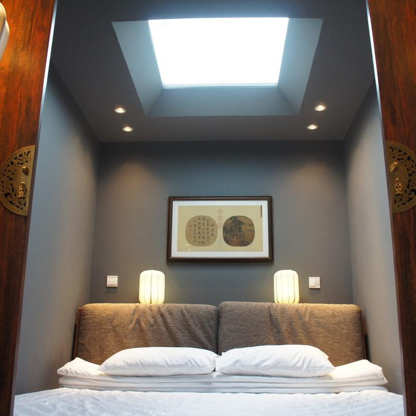 suit-bedroom