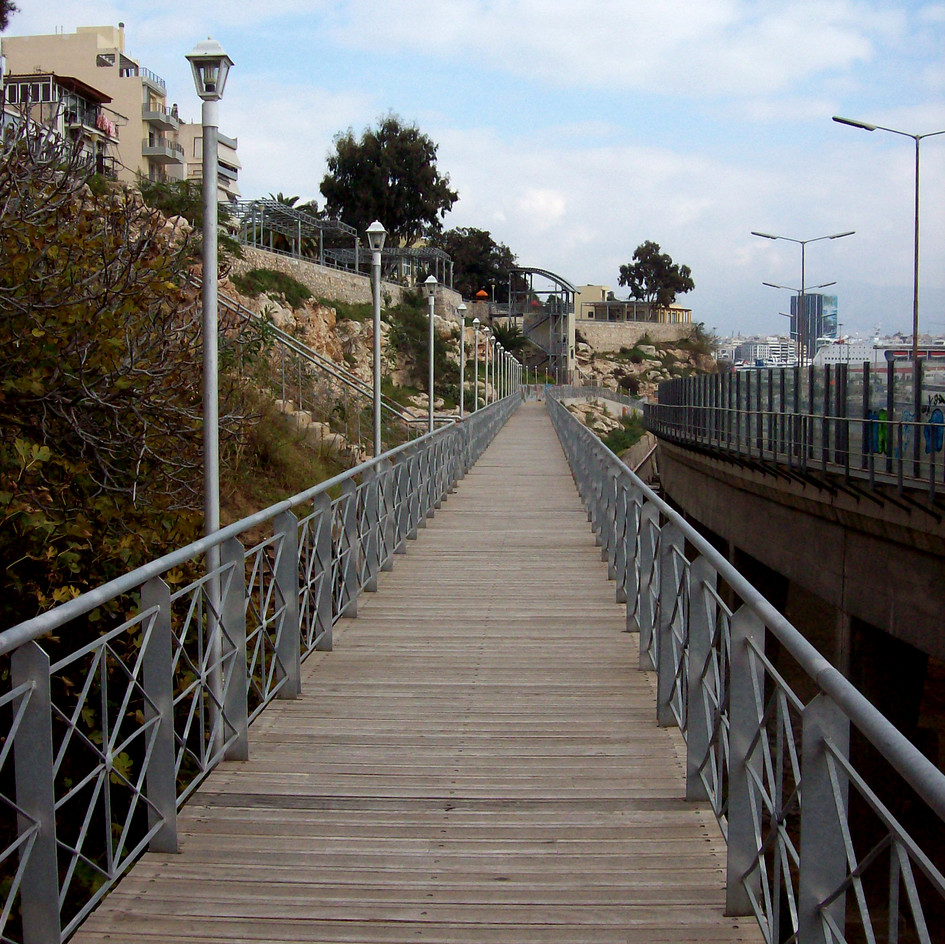 Gentrification of Drapetsona Waterfront towards Port of Piraeus (1996-2000)