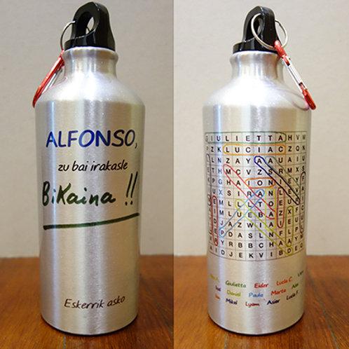 """Botella para agua fría """"Bikaina. Con sopa de letras."""