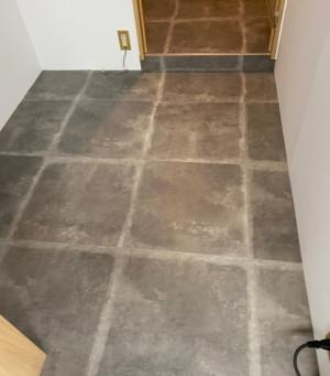 打放しコンクリート風のクールな床