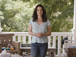 """Kleenex and Kimberly Williams-Paisley Help You Get Ready for 'Back To School"""""""