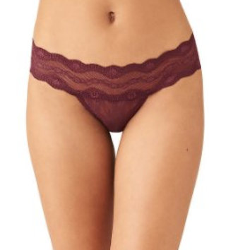 B.TEMPT'D | Lace Kiss Thong parte de los 3 x $33 de b.tempt'd
