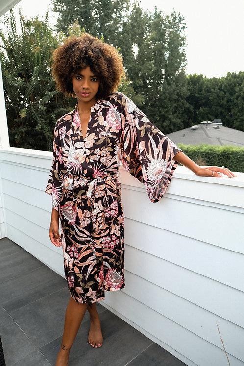 MIDNIGHT BAKERY   Molly Kimono