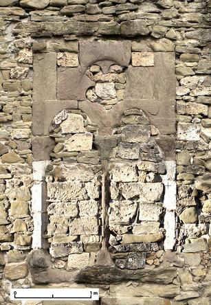 Étude et consolidation d'une baie gothique, château des Sires du Faucigny, Bonneville, Haute-Savoie