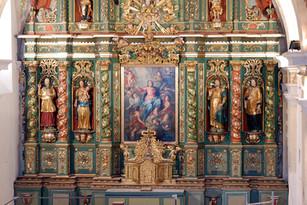 Autel majeur et autels latéraux de l'église de Cordon