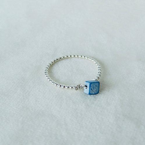 Kubus ring maat 19 pareldraad zilver (925)
