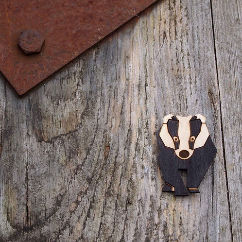 Badger brooch, wildlife, animal jewellery.