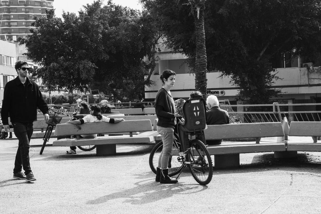 כיכר דיזנגוף - b&w 2.jpg