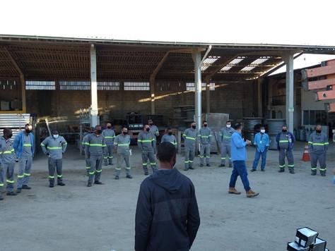 Conscientização e implementação de execuções de prevenção sobre saúde e segurança do trabalho.