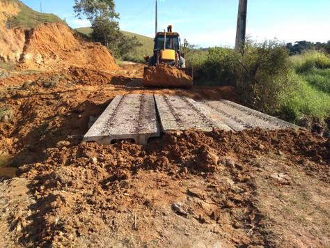 CERCI participa da construção de uma ponte em Areia Branca.
