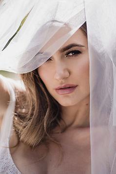 Natural but stunning bridal makeup