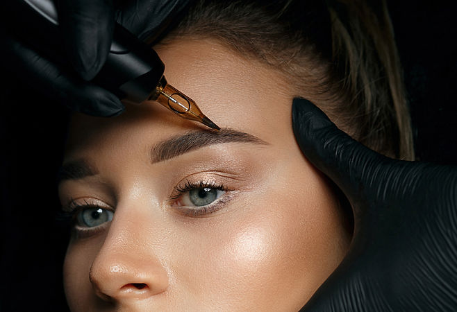 Perfectly created brows from the Ombre Powder Brow expert.