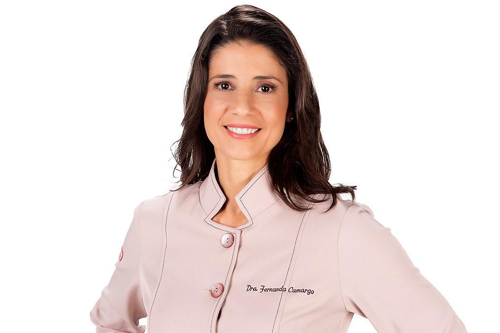 Foto da Dra. Fernanda Camargo