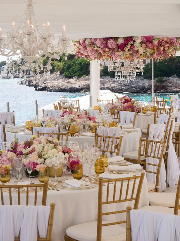 Destination wedding in Mallorca on the sea