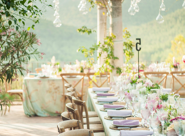 Destination wedding in Mallorca country style decoration