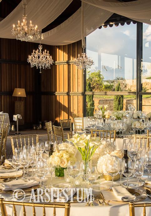 Wedding Mallorca elegant chandeliers