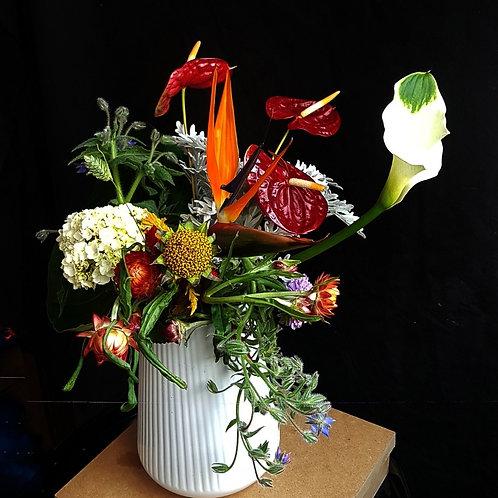 Mix de Flores pequeno em vaso branco