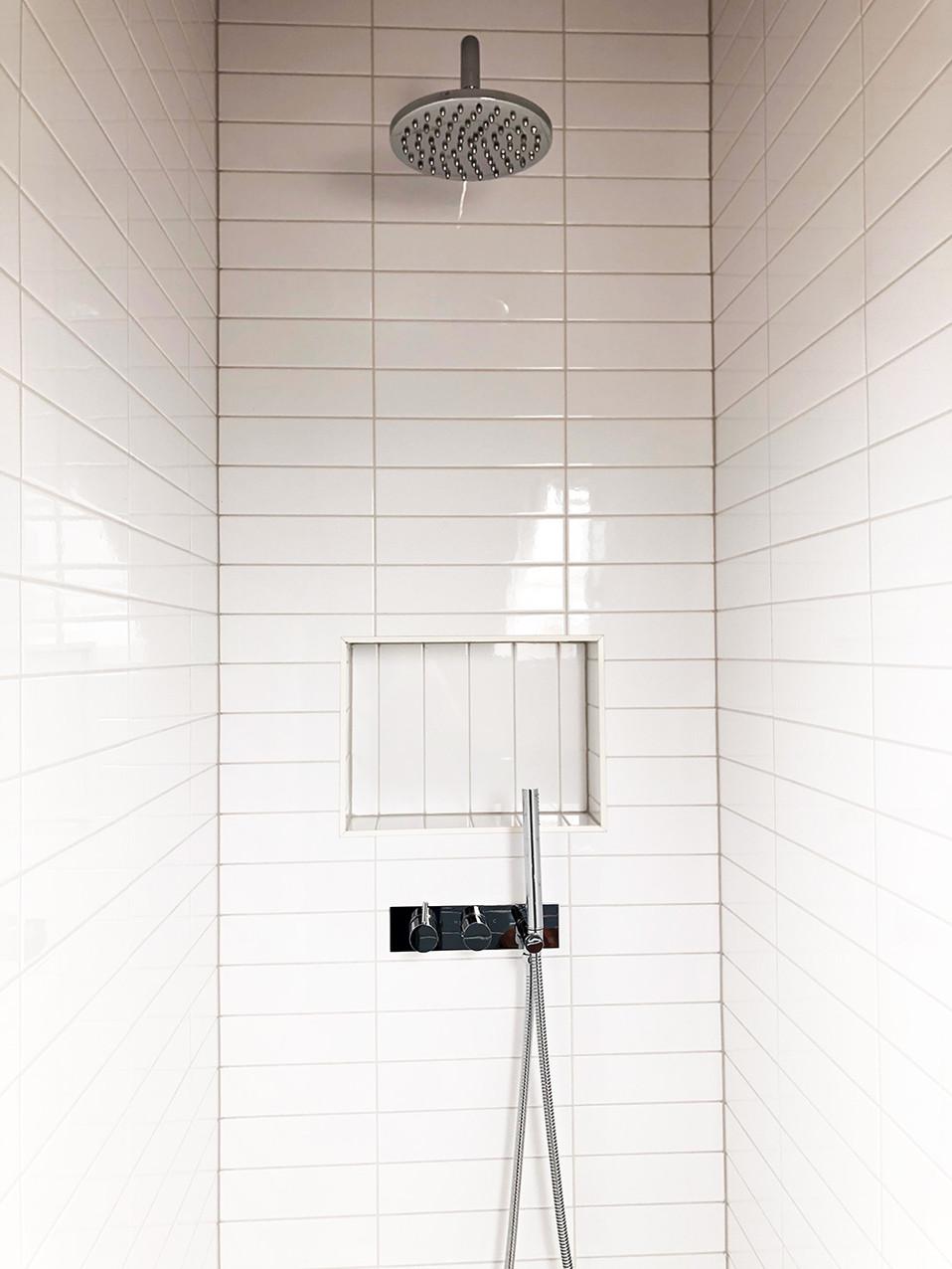 ensuite-fresh-and-lovely-shower.jpg