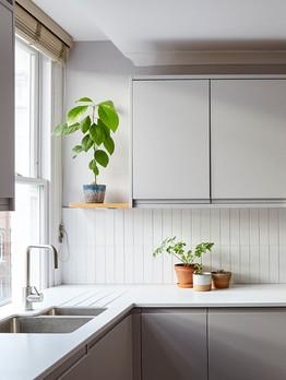 delicate_grey_kitchen.jpg