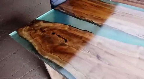 Acabamento verniz river table