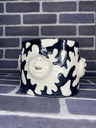 Carved Coral Baby Mouth Planter