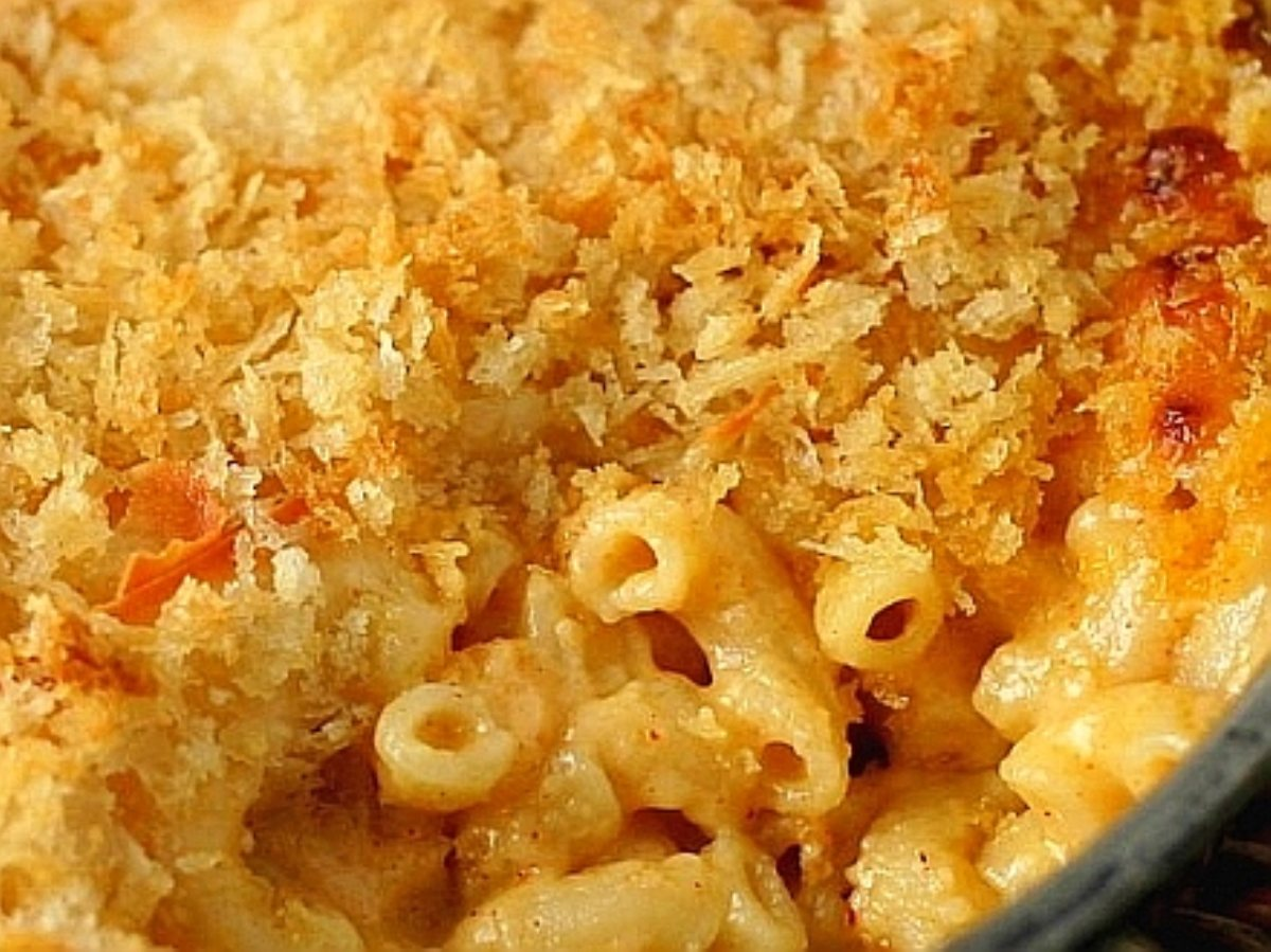 old-fashioned-baked-macaroni-and-ch-3[1].jpg
