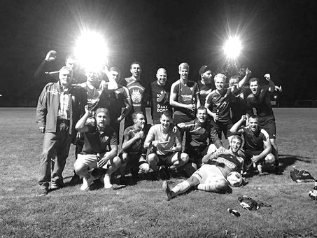 Derbysieg katapultiert die Herren auf Platz 2!