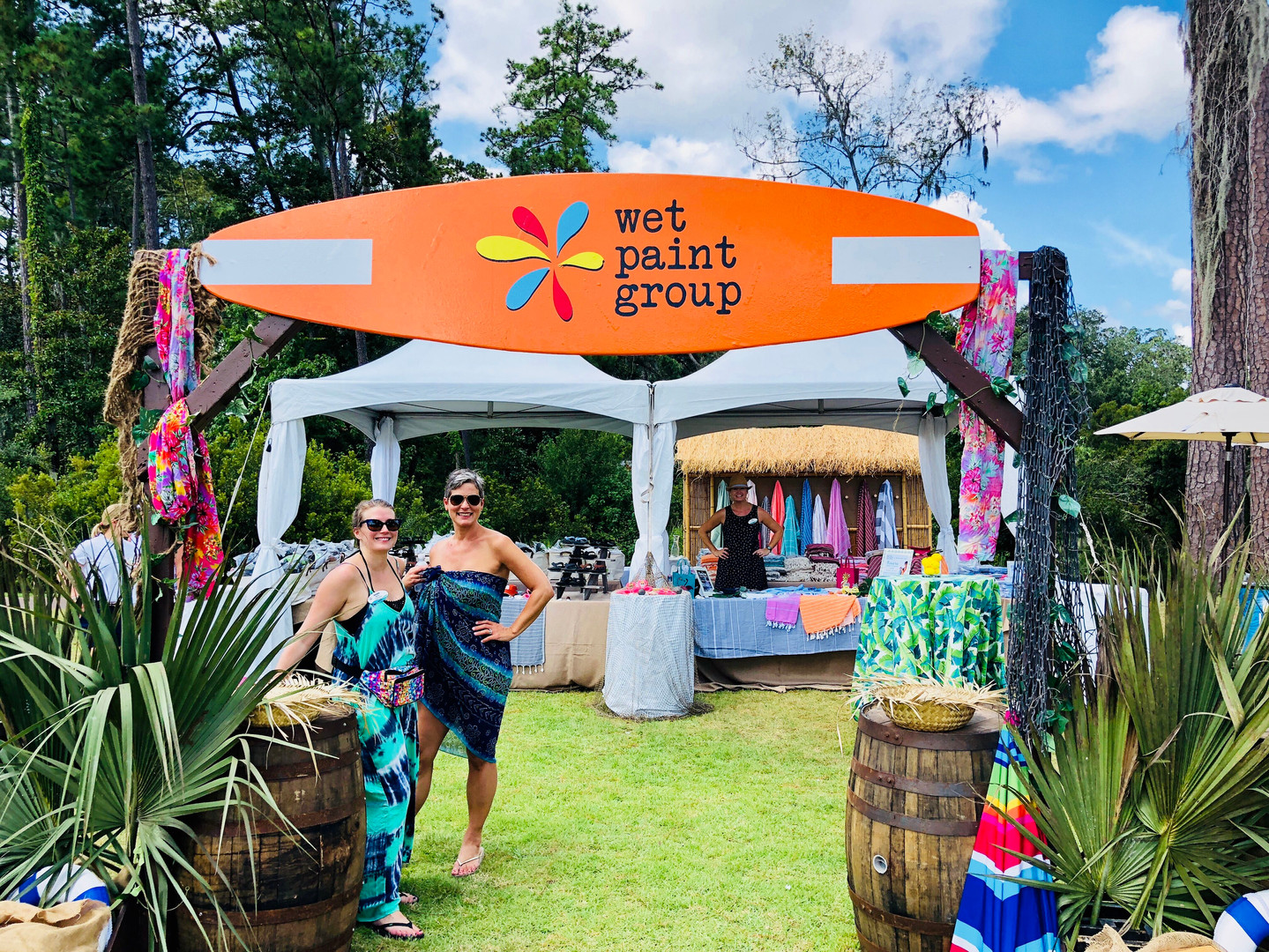 wet paint group gifting experience in hawaii