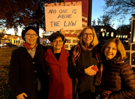 Lynnfield Dems protest in Reading Common to support Robert Mueller