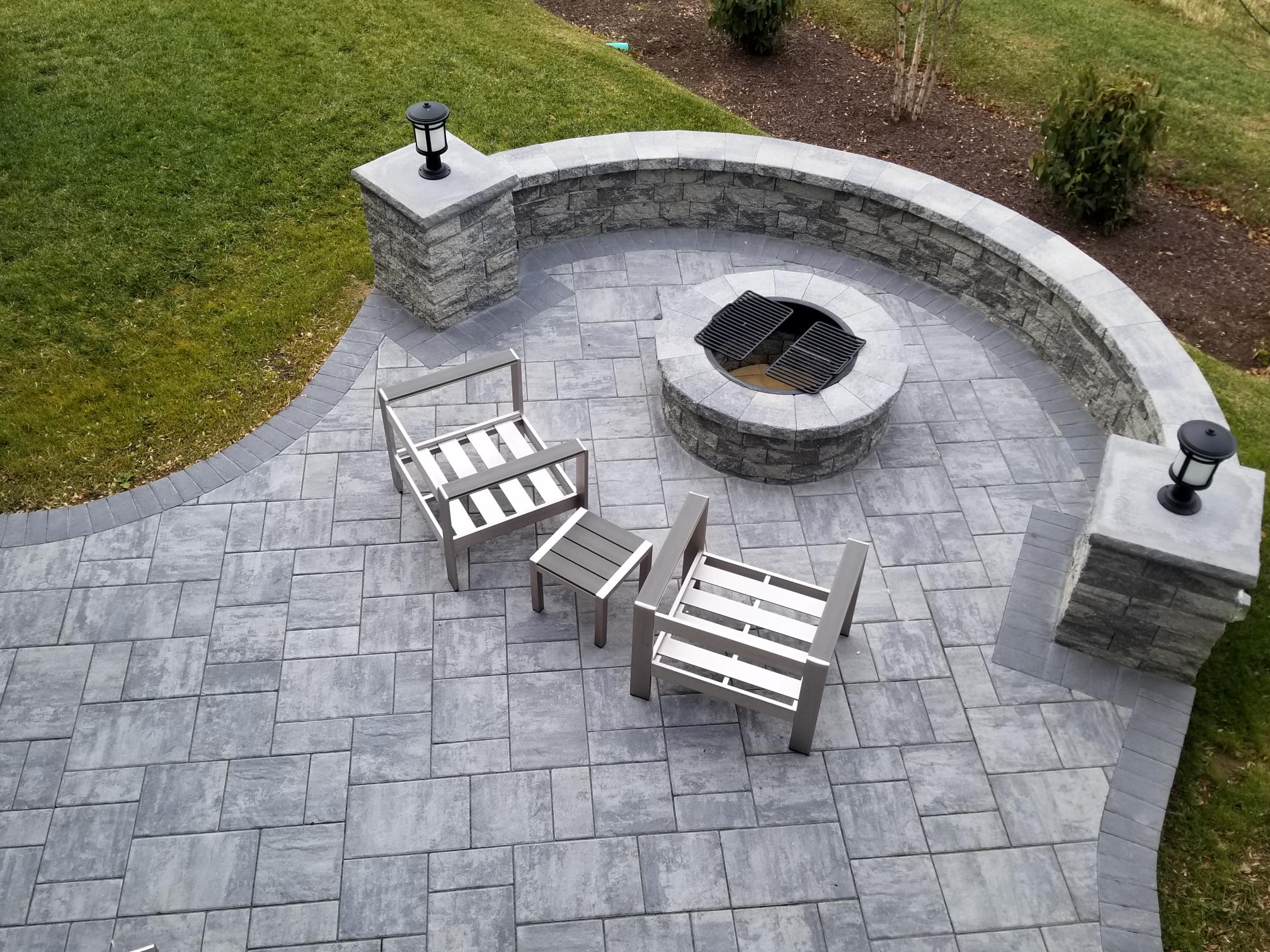 Stone Ridge city granite blen  Patio Ell