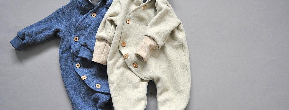 """Baby-Overall aus Bio-Baumwoll-Fleece """"creme & staubblau"""""""