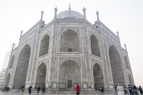 The main tomb of Taj