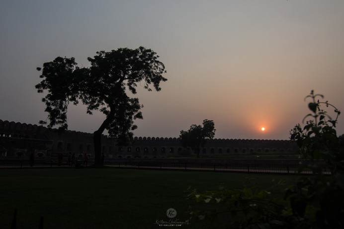 Sunset over Agra fort