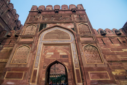 ne of the entrance of Agra Fort
