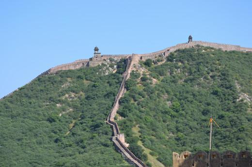 Fort walls near Nahargarh fort
